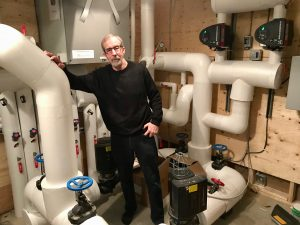 Mini geothermal district heating system